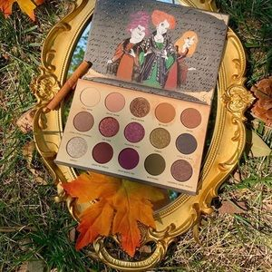 HOCUS POCUS x Colourpop Eyeshadow Palette